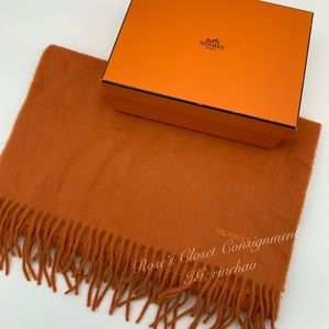 Hermès 100% cashmere shawl